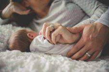 Целостный образ женщины. Материнство. Фрустрации в раннем детстве.